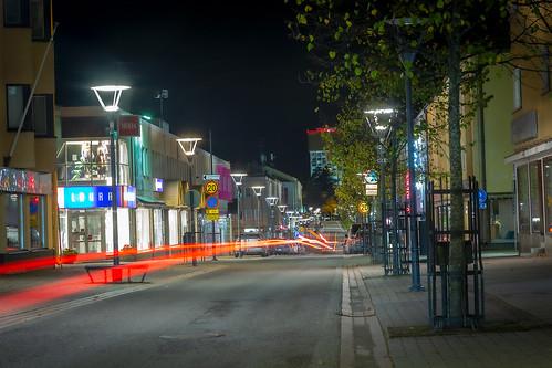 Hiljainen kaupunki illalla