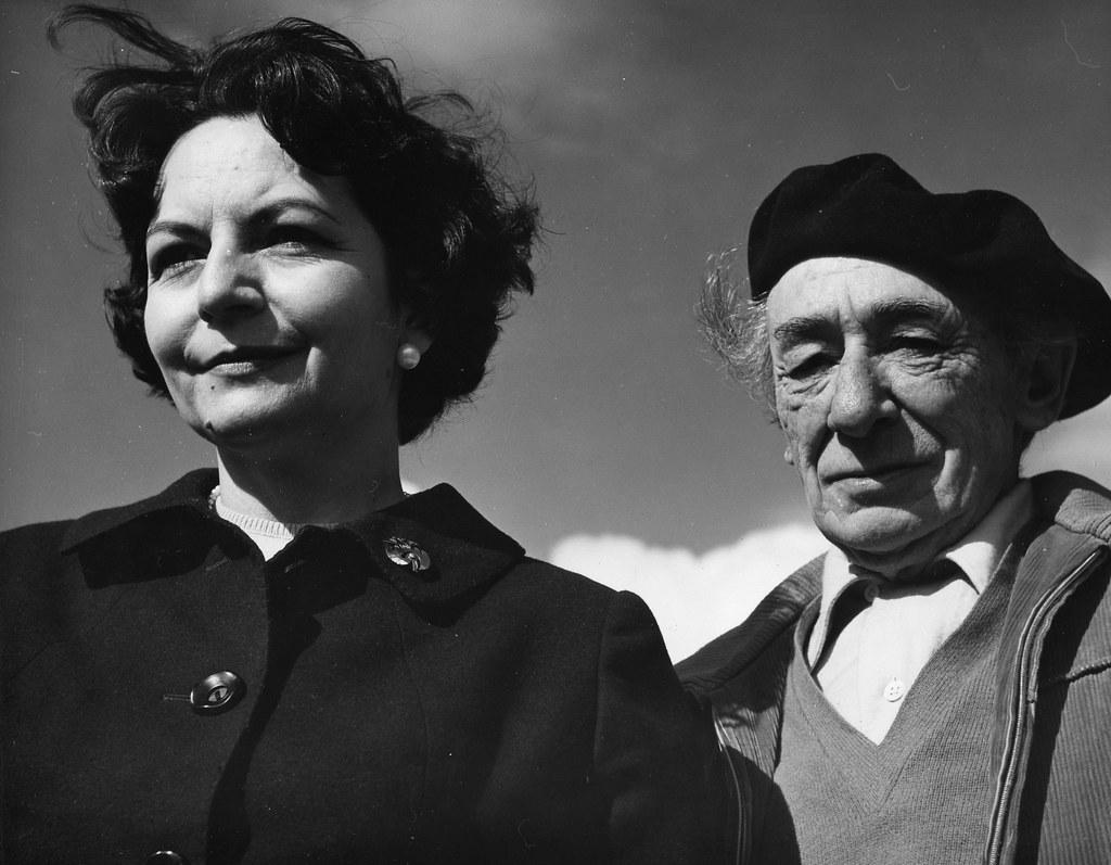 Victorio Macho y Zoila Barrós en Roca Tarpeya en 1962. Biblioteca Histórica de la Universidad Complutense de Madrid, Archivo personal de Leandro de la Vega.