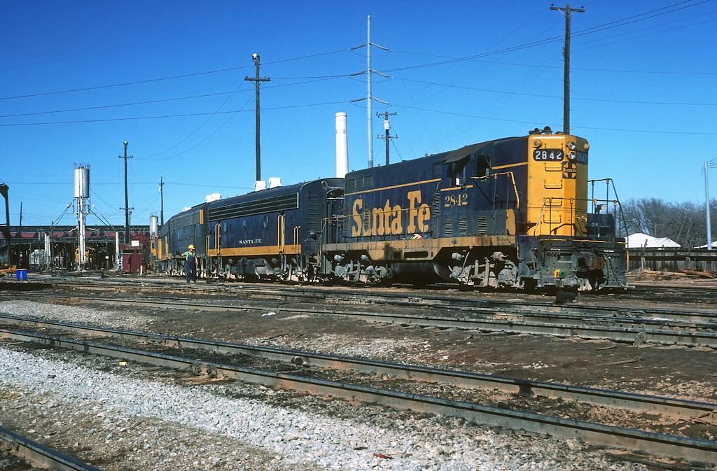 Santa Fe GP7 at Cleburne,Tx