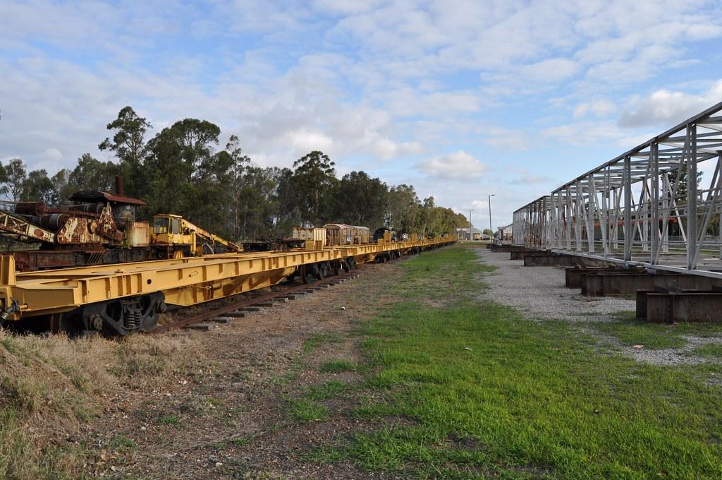 Hotham Valley Railway at Pinjarra 2015 10 23 by ChrisDPom