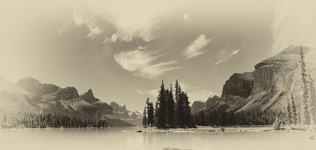 Sprit Island, Maligne Lake