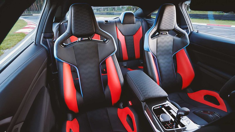 bmw-m4-competition-kith-design-study-edition-interior (3)
