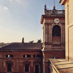 :sunrise_over_mountains: #Buongiorno Sapienza e #buonsabato con una foto di Villa Mirafiori di @lucamorettia ・・・  Goodmorning and have a nice Saturday from the Villa Mirafiori Building ・・・ #Repost: «iniziare presto» ・・・ #repostSapienza #ImmaginiDallaSapie