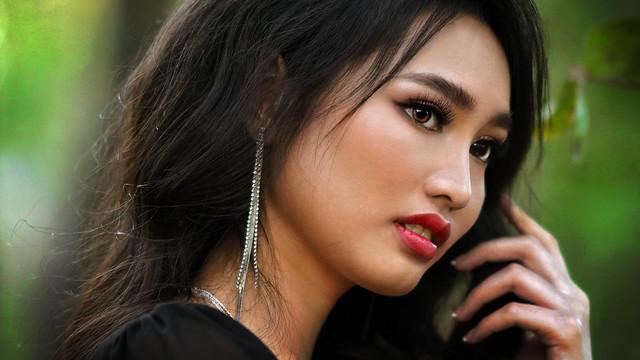 Angela:  Miss Vietnam Northern California 2020