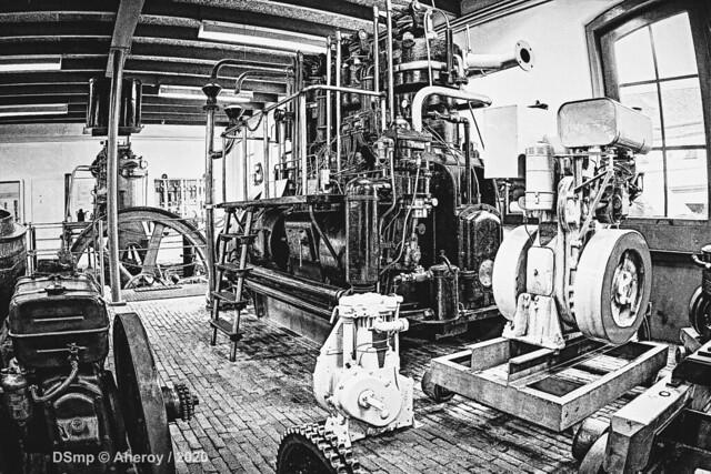 B&W,Machinekamer 9,Scheepvaartmuseum,Groningen Stad,the Netherlands