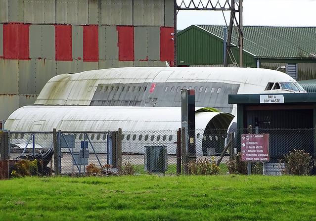 G-BNLX Boeing 747-400 forward fuselage ex British Airways and unidentified fuselages