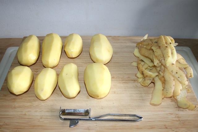 23 - Peel potatoes / Kartoffeln schälen