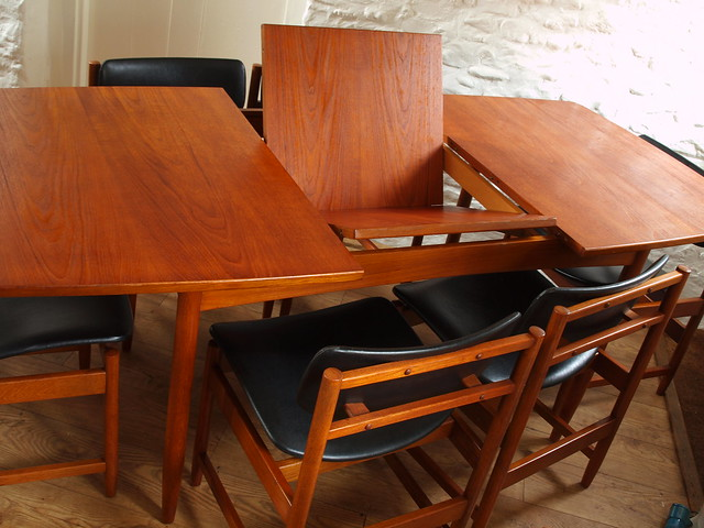 White & Newton extending table & set of six matching chairs.