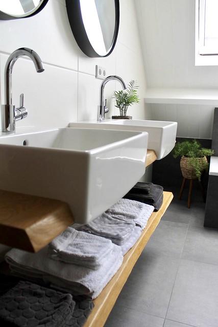 Dubbele wasbak landelijke badkamer