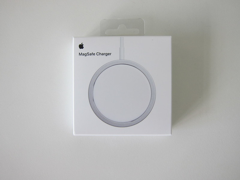 Apple MagSafe Charger - Box Front