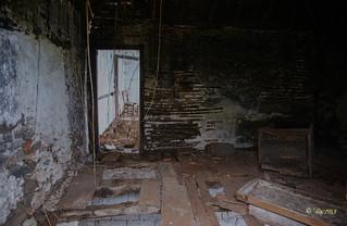 Casa sem esperança -  (2)
