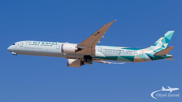 TLV - Etihad Boeing 787-10 A6-BMH