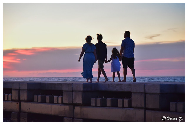 Harmonious family, Beer Can Island Florida -820