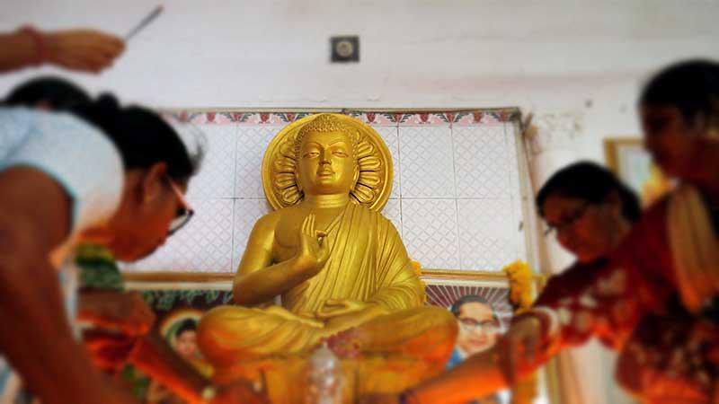 236 Dalit Valmiki Beralih Keyakinan Memeluk Agama Buddha