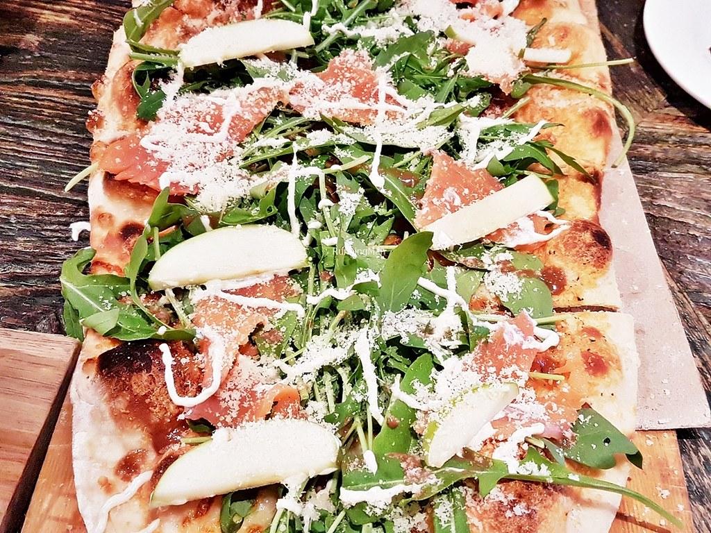 Smoked Salmon White Pizza