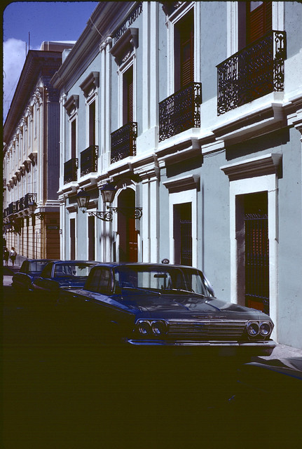 SSG94--Cars parked in front of Tribunal Superior, 1967