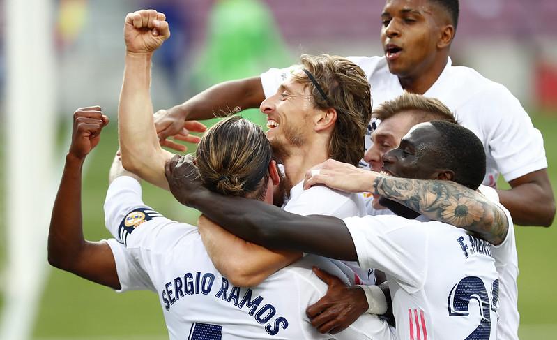 皇馬慶祝Luka Modric的進球。(達志影像)