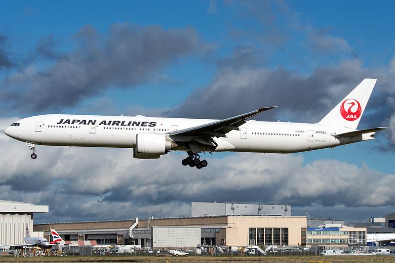 JA743J | Boeing 777-346ER | Japan Air Lines