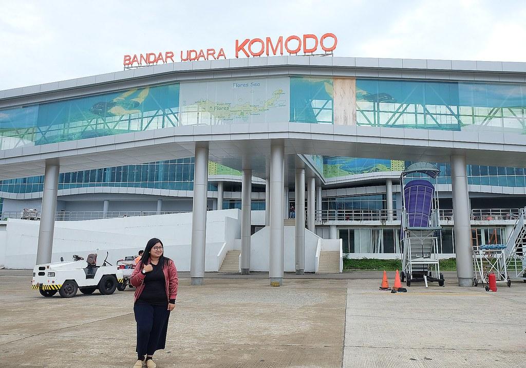 bandara udara komodo