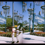 Sun, 2020-10-25 07:37 - New York World's Fair - Löwenbräu Gardens - 1965