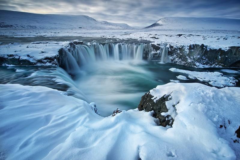 Islannin vesiputoukset