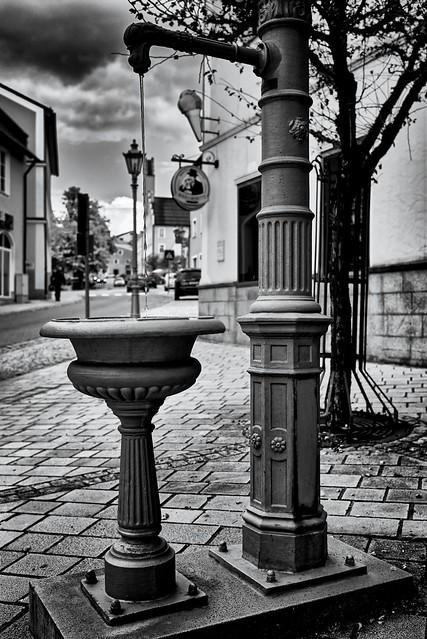 Kleiner Brunner unterhalb vom Stadtplatz