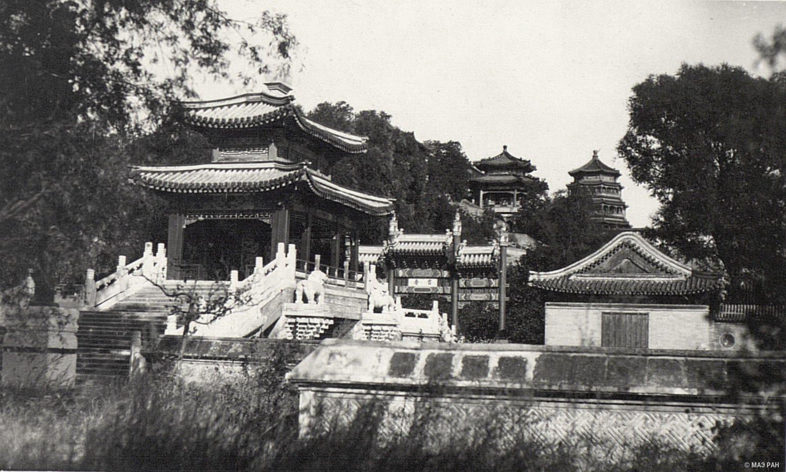 Парк Ихэюань. Павильоны в летнем дворце на горе Ваньшоу-шань