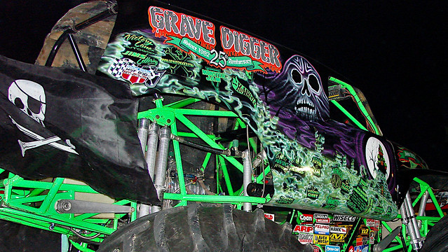 Grave Digger 12