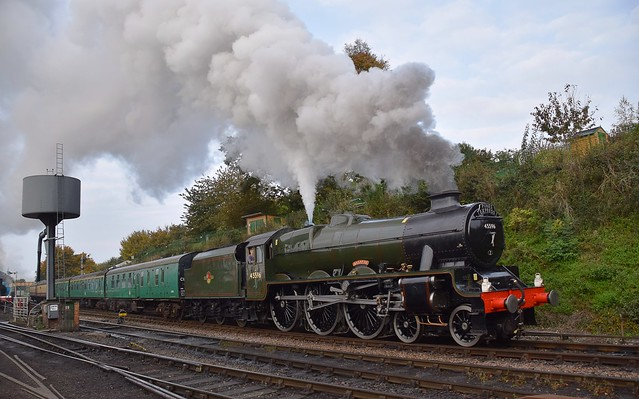 Jubilee Locomotive No.45596 'Bahamas' leaves Ropley with steam to spare, on the 09.31 Alresford - Alton Service. Mid Hants Autumn Steam Gala. 18 10 2020