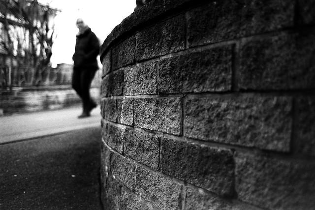 Hide and seek (Leica M6)