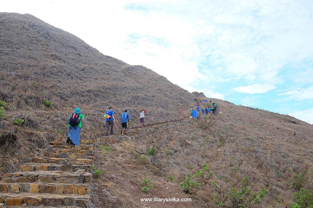 jalur pendakian pulau padar