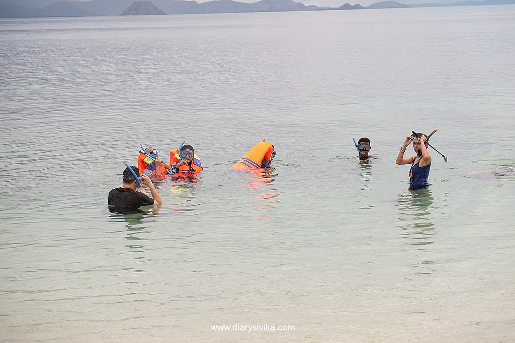 snorkeling labuan bajo