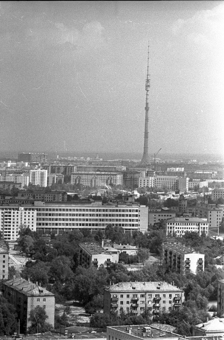 1965. Вид на Останкинскую телебашню и звездный бульвар с высоты птичьего полета