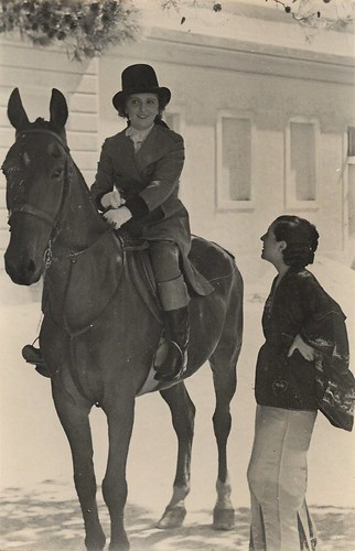 Marie Bell at the Pisorno studios at Tirrenia (1935)
