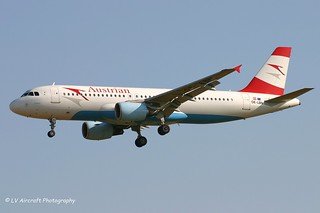 OE-LBN_A320_Austrian_faded Star Alliance sticker
