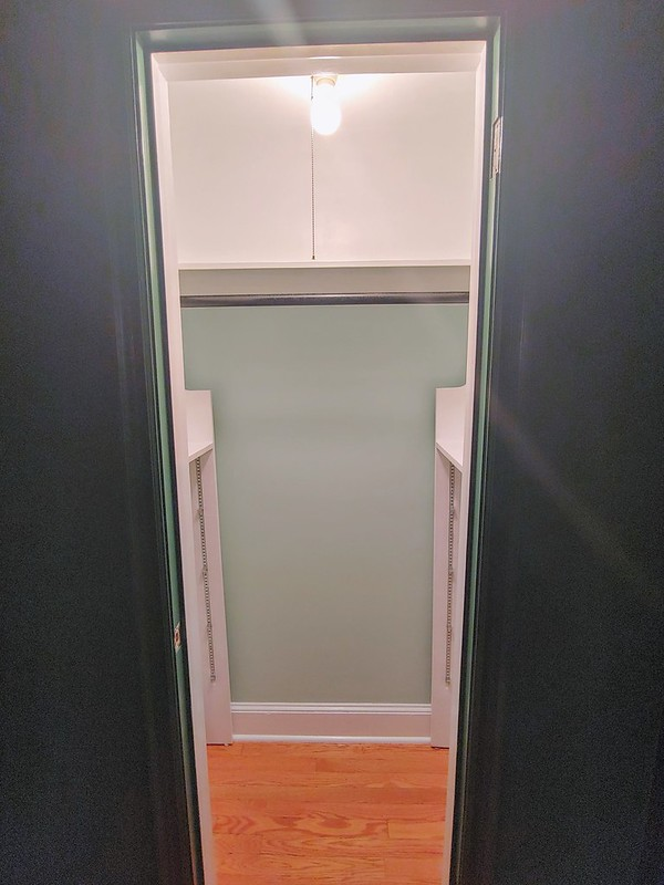 Painting the Den: Two-toned closets are done (could probably use a 3rd coat of paint, but this is good enough)