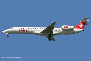 HB-JAX_E145_Swiss_-