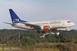 LN-TUJ Boeing 737-700 Scandinavian Airlines Ålesund Airport Vigra 16.08-16