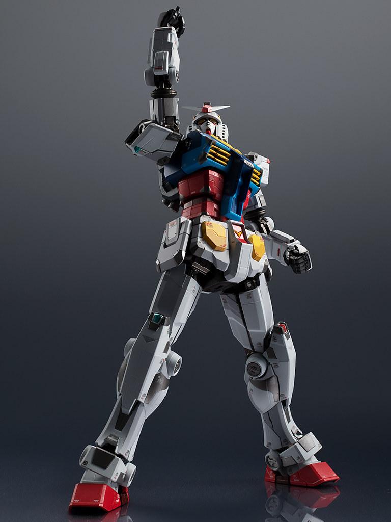 可發光「超合金 RX-78F00 鋼彈」預計 12 月推出 橫濱等身大鋼彈超合金化!