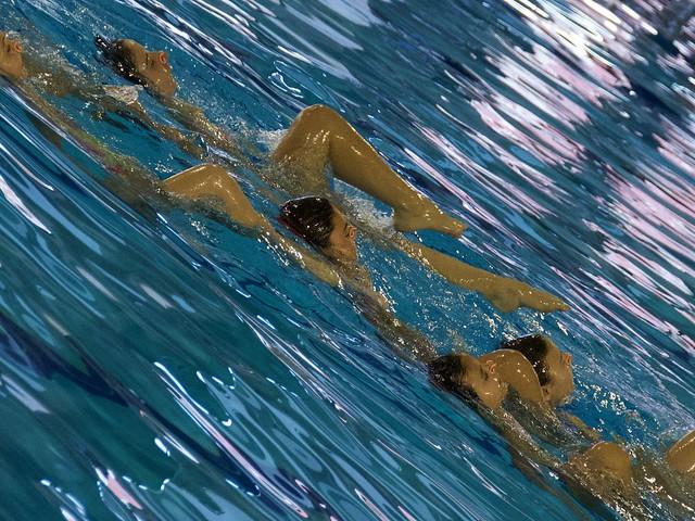 Campionat CEEB de nenes de natació artítisca a la Piscina Sant Jordi, Barcelona.