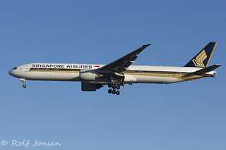 9V-SWO Boeing 777-300ER Singapore Airlines Manchester Airport EGCC 26.08-16