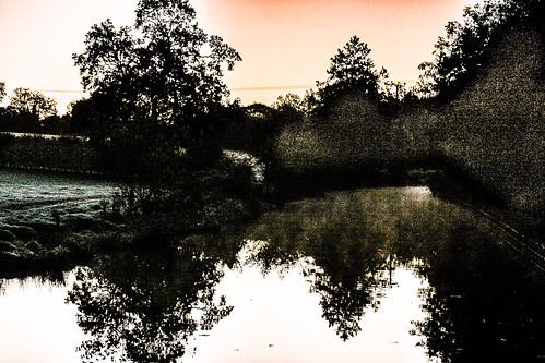 canoneos10d frost reflections trees fields canal water sunrise maljonesphotographer maljonesphotography