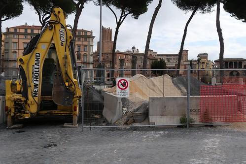 ROMA ARCHEOLOGICA & RESTAURO ARCHITETTURA 2020. PIANO SANPIETRINI IN PIAZZA VENEZIA. Virginia Raggi / Facebook (21/10/2020) & Foto: Gianni de Dominicis / Facebook (25/10/2020) & M. G. Conde (10/2020).