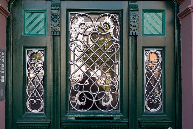Rostock: Detail der Eingangstür des 1900 entworfenen Hauses Richard-Wagner-Straße 6 im Stil des Historismus - Detail of the front door of the house no. 6 Richard-Wagner-Straße designed 1900 in Historism Style