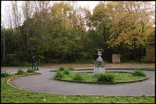 На ул. Ворошиловский парк