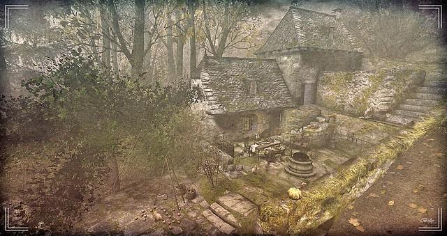 Devant la vieille maison....