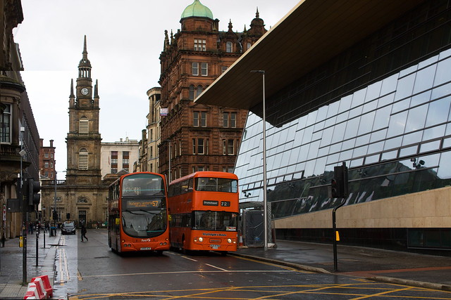 First Glasgow 32657 and Strathclyde's Buses LA1204