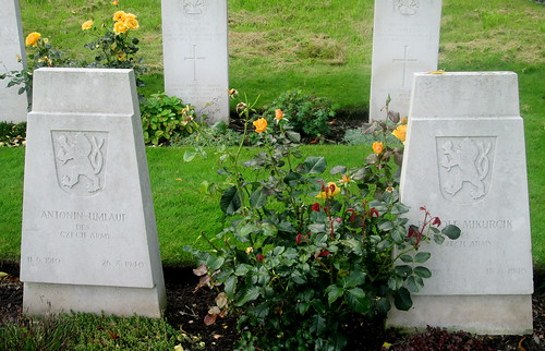 Czechoslovak (and British) War Graves , Overleigh Cemetery Chester