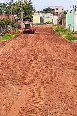 Ruas sem asfalto em Água Quente são recuperadas