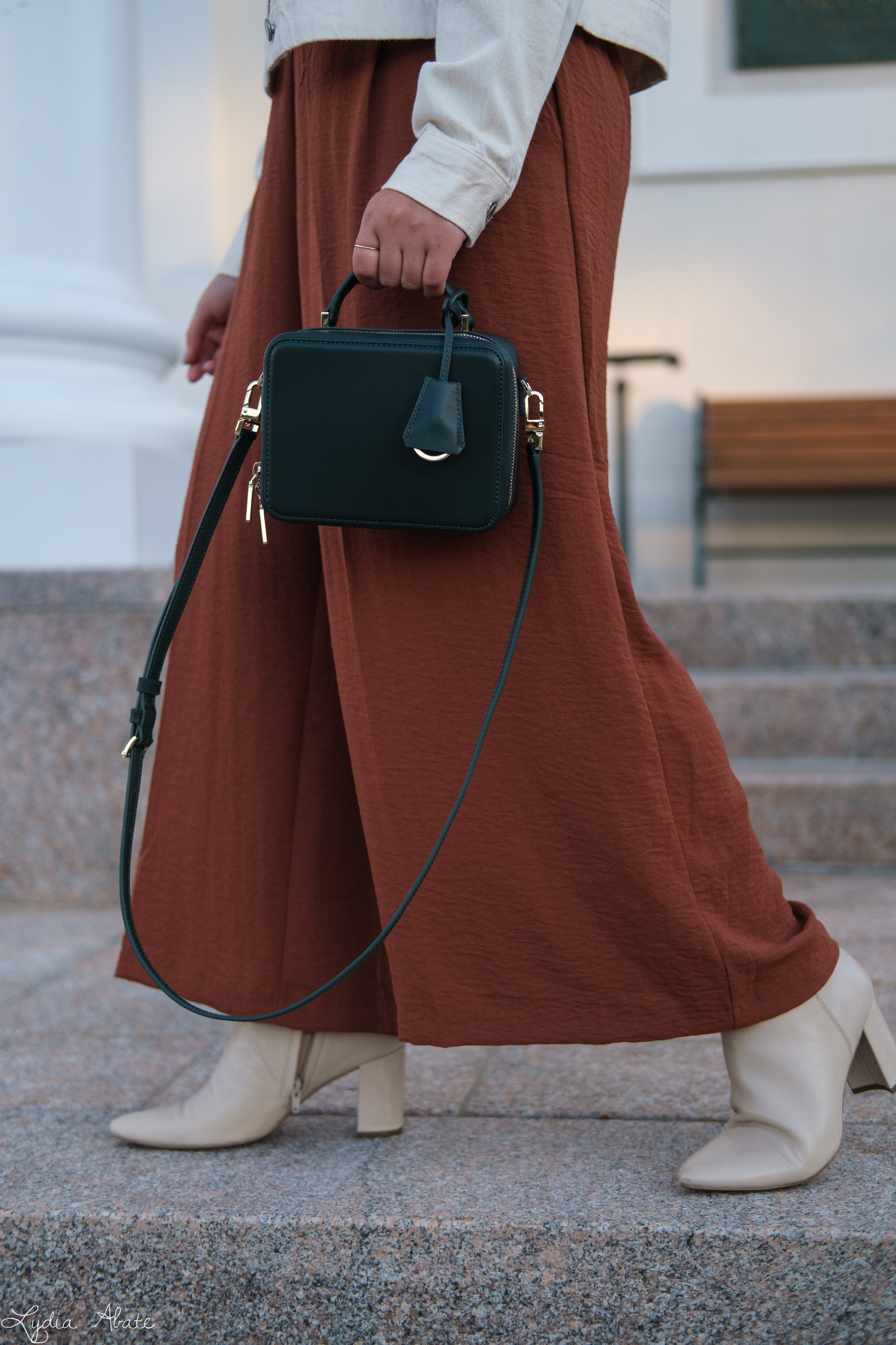 rust wide leg pants, knit tank, cream denim jacket, boots, green bag-17.jpg
